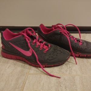 WOMEN'S NIKE FREE FIT 2 TRAINING SHOES Sz 9.5